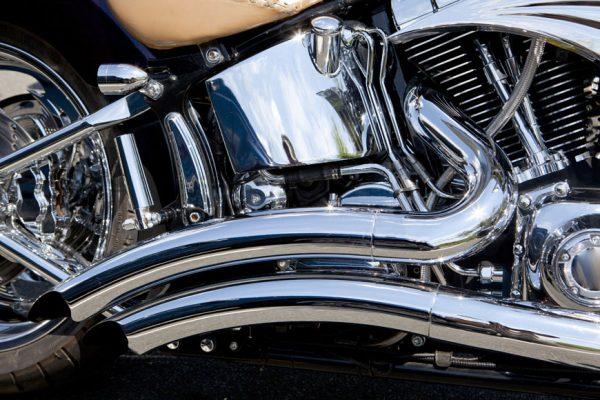 behner-oberflaechentechnik-schleifen-und-polieren-saemtlicher-metalle-veredelung-von-motorradteilen